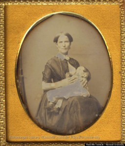o-VICTORIAN-BREASTFEEDING-PHOTOS-570